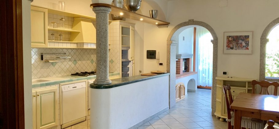 8297 SAN TEODORO apartment with 4 bedrooms and cellar