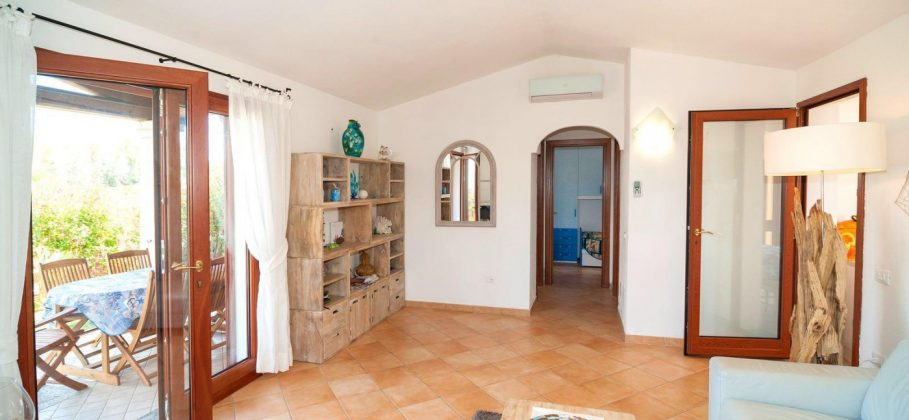 6630 BUDONI End house with large garden and terrace and private pool