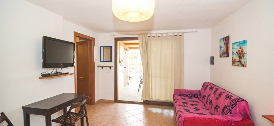 9700 BUDONI – Semidetached apartment with pool