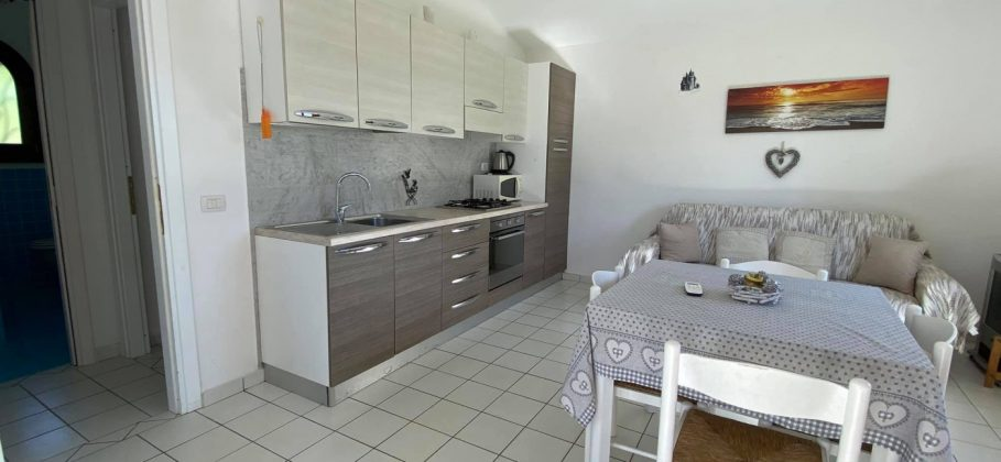 14038 Charming house in a quiet location with a large garden in Baia S. Anna, Budoni