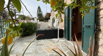 14899  Stone house with roof terrace near San Teodoro